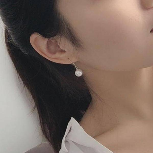 Simply Pearl Drop Earrings