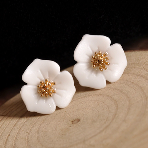 White Flowers Stud Earrings