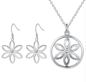 Shine Flower Silver Necklace and Earrings Set For Woman