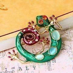 Feshionn IOBI accessories Green Gecko Brooch Green Enamel and Crystal Sweater Pin