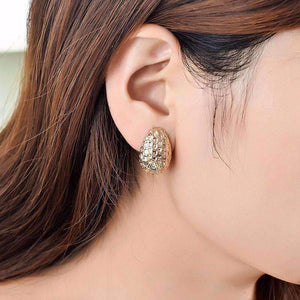 Feshionn IOBI Earrings Hammered Gold Clamshell Scoop Clip-On Earrings