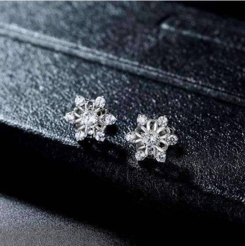 Feshionn IOBI Earrings Platinum Plated Winter White Austrian Crystal Snowflake Stud Earrings