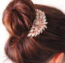 Feshionn IOBI Hair Jewelry Blossoming Pearl Flower and Crystal Gold Plated Hair Comb