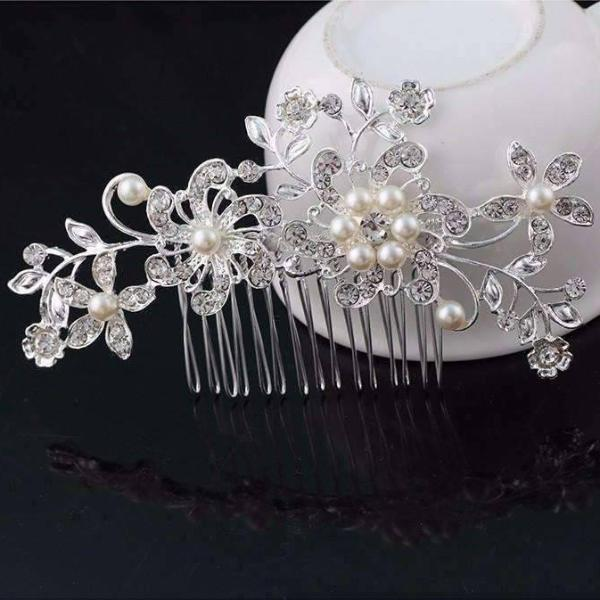 Pretty Pearl Silver Plated Floral Crystal Hair Comb