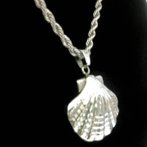 Feshionn IOBI Necklaces Oceanside Stainless Steel Puffed Clam Shell Pendant Necklace