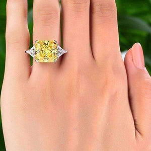 Feshionn IOBI Rings Fancy Canary 8CT Princess Cut Three Stone Ring