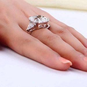 Feshionn IOBI Rings Fancy Fire 8CT Princess Cut Three Stone Ring