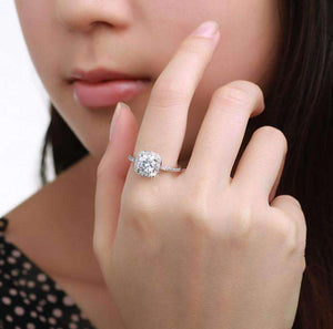 Feshionn IOBI Rings ON SALE - Bella Vita Halo 2 CT Round Austrian Crystal Ring ~ In Three Colors