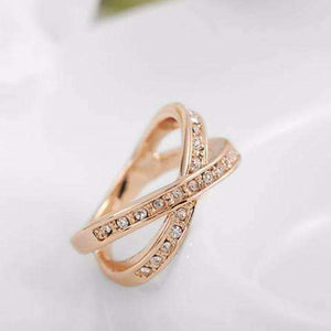 Feshionn IOBI Rings ON SALE - Channel Set Criss Cross Ring