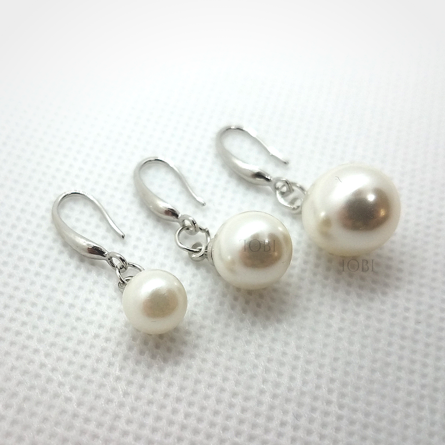 Naked IOBI Pearl Drill Earrings in Three Sizes For Woman