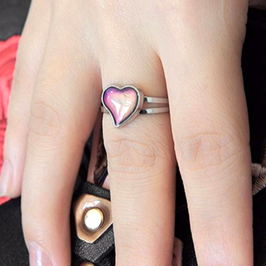 Heart Color Changing Adjustable Mood Ring For Woman