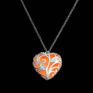 Lustrous Heart Glow in The Dark Pendant Necklace For Woman