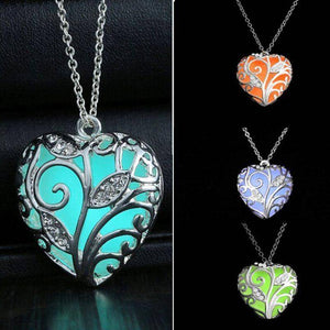 CLEARANCE - Lustrous Heart Glow in The Dark Pendant Necklace