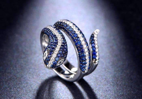Tempeste En Bleu 2CTW Snake IOBI Cultured Diamond Ring