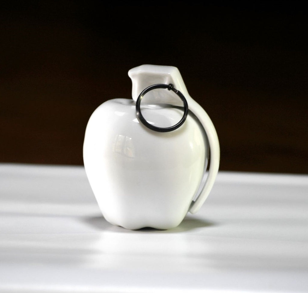 Fidia Falaschetti x K.Olin Tribu - Apple Care - Porcelain Sculpture