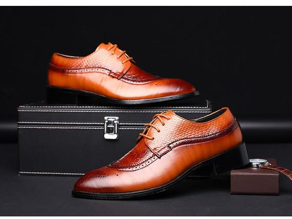 Men's Pointed British Carved Dress Shoes - TrendSettingFashions