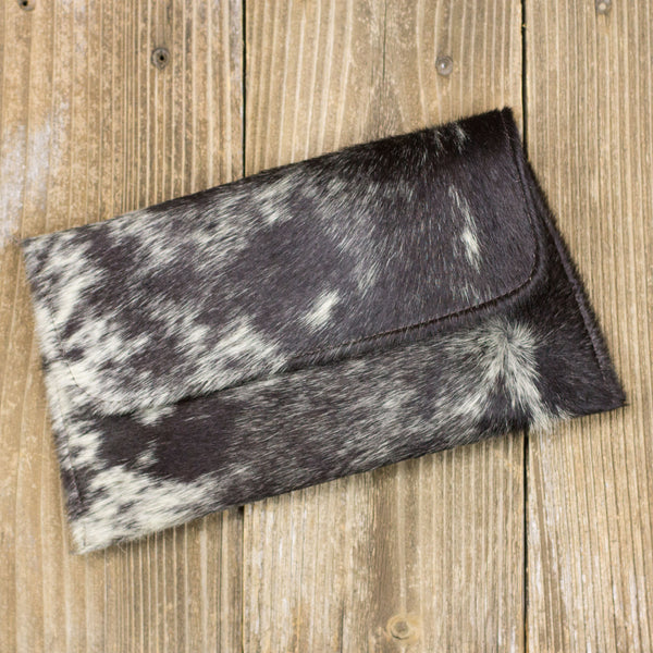 Round Rock Signature Clutch