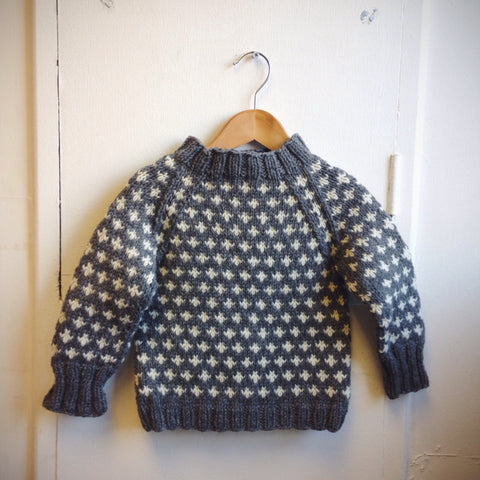 Knud handknitted Wool sweater Grey 1-8y