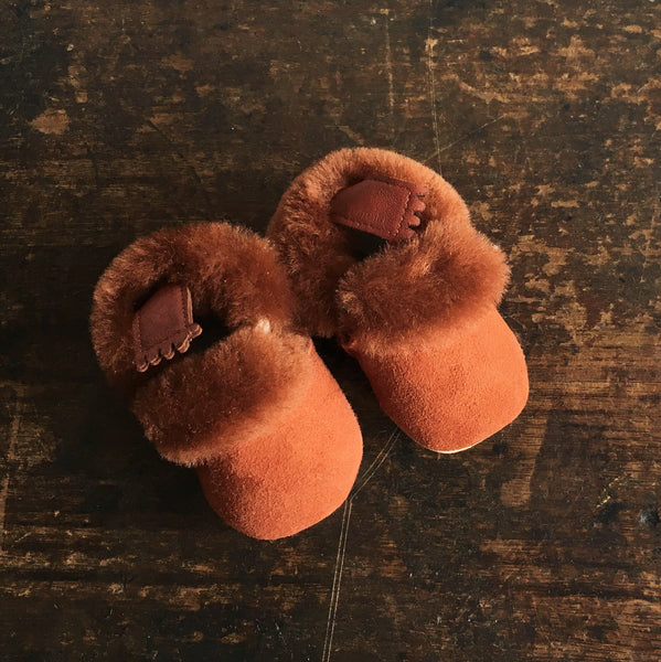 Eco Leather Slippers - Minion - Noisette 16-23