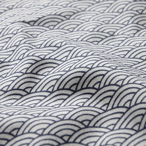 Organic cotton quilted play blanket - Blue wave