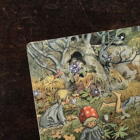 Elsa Beskow's Children of the Forest - Wooden Tray Puzzle