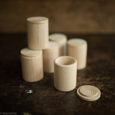 Cups With Covers - 6 pieces - Natural Wood