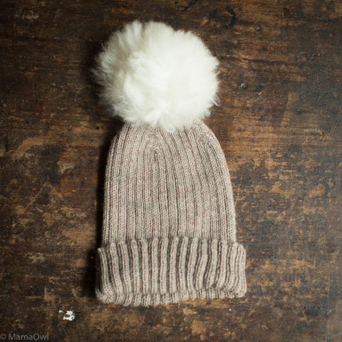 Beautiful Alpaca Hat With Alpaca Pompom - Oatmeal