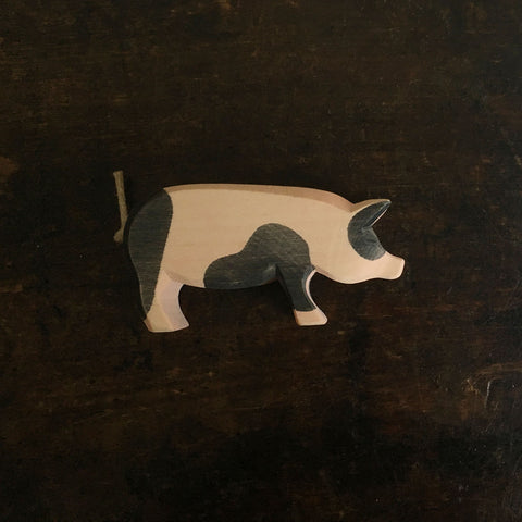 Handcrafted Head High Spotted Pig