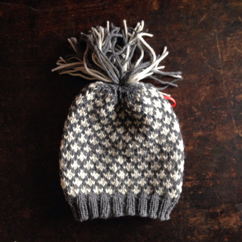 Hand Knitted Knud Wool Hat - Grey/White - 0m-5y