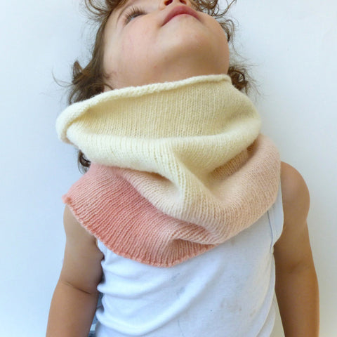 Merino wool kid snood - natural dyes - Pink/Natural