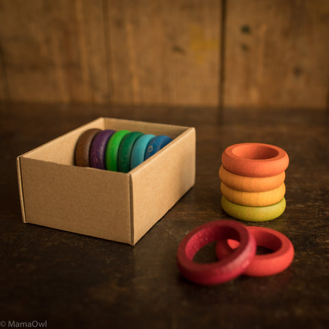12 Wooden Coloured Rings