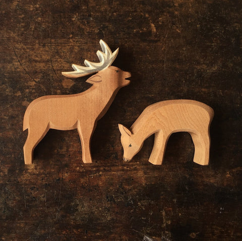 Handcrafted Eating Large Red Deer