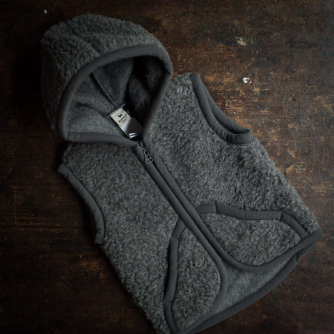 Organic Merino Wool Teddy Fleece Hooded Zip Vest - Slate