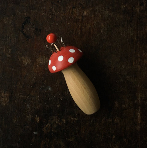 Natural Wooden Knitting Mushroom