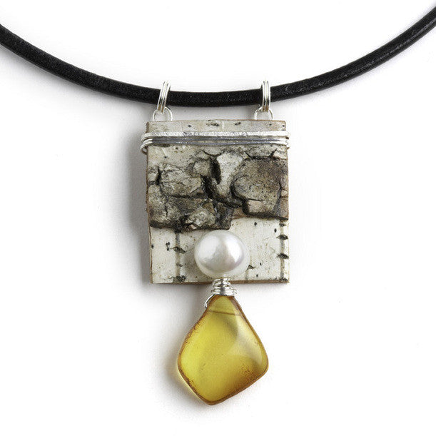 Tessoro Necklace - Natural Birchbark, Baltic Amber and Freshwater Pearl
