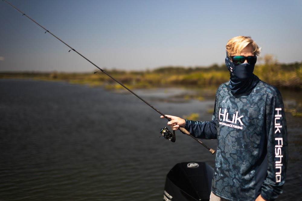 Huk Face Gaiter: The Advanced Fishing Face and Neck Mask
