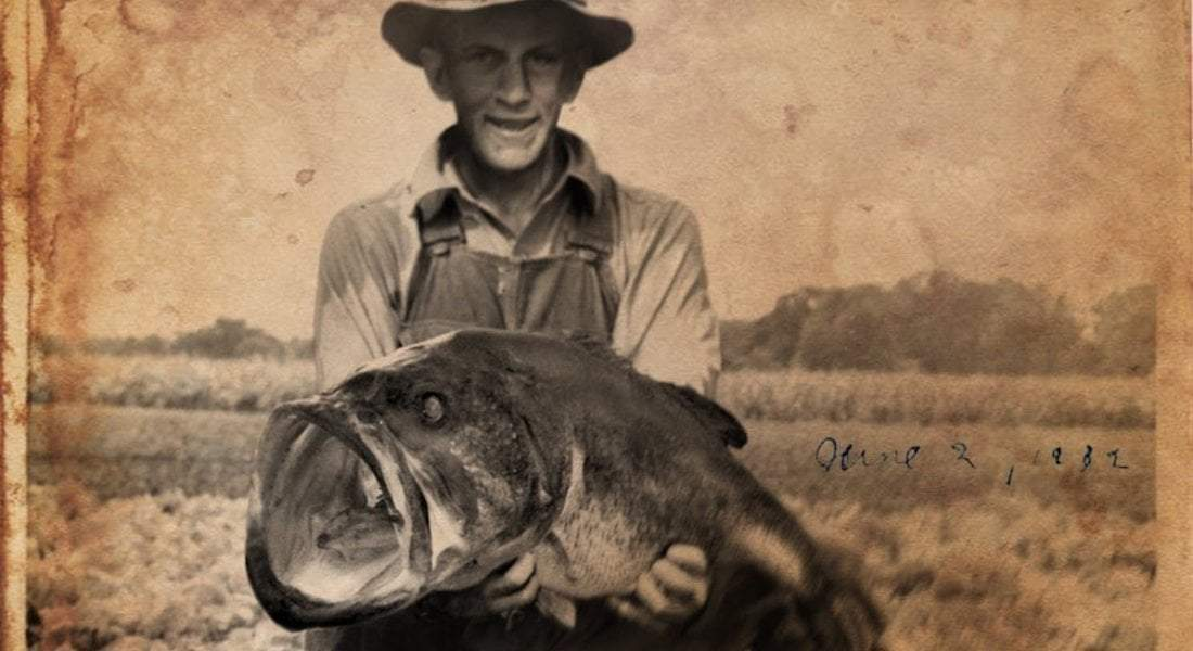 THE BIGGEST LARGEMOUTH BASS EVER CAUGHT