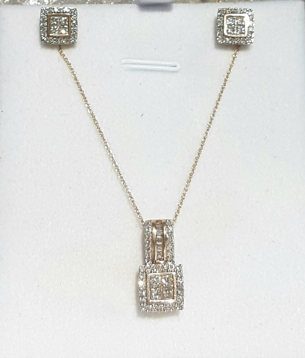 1.00ct Round / Princess Cut Diamonds | Cluster Earrings and Pendant Set | 14kt Yellow Gold