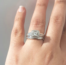 Load image into Gallery viewer, 1.00ct Round and Princess Cut Diamonds | Bridal Twinset | 14kt White Gold