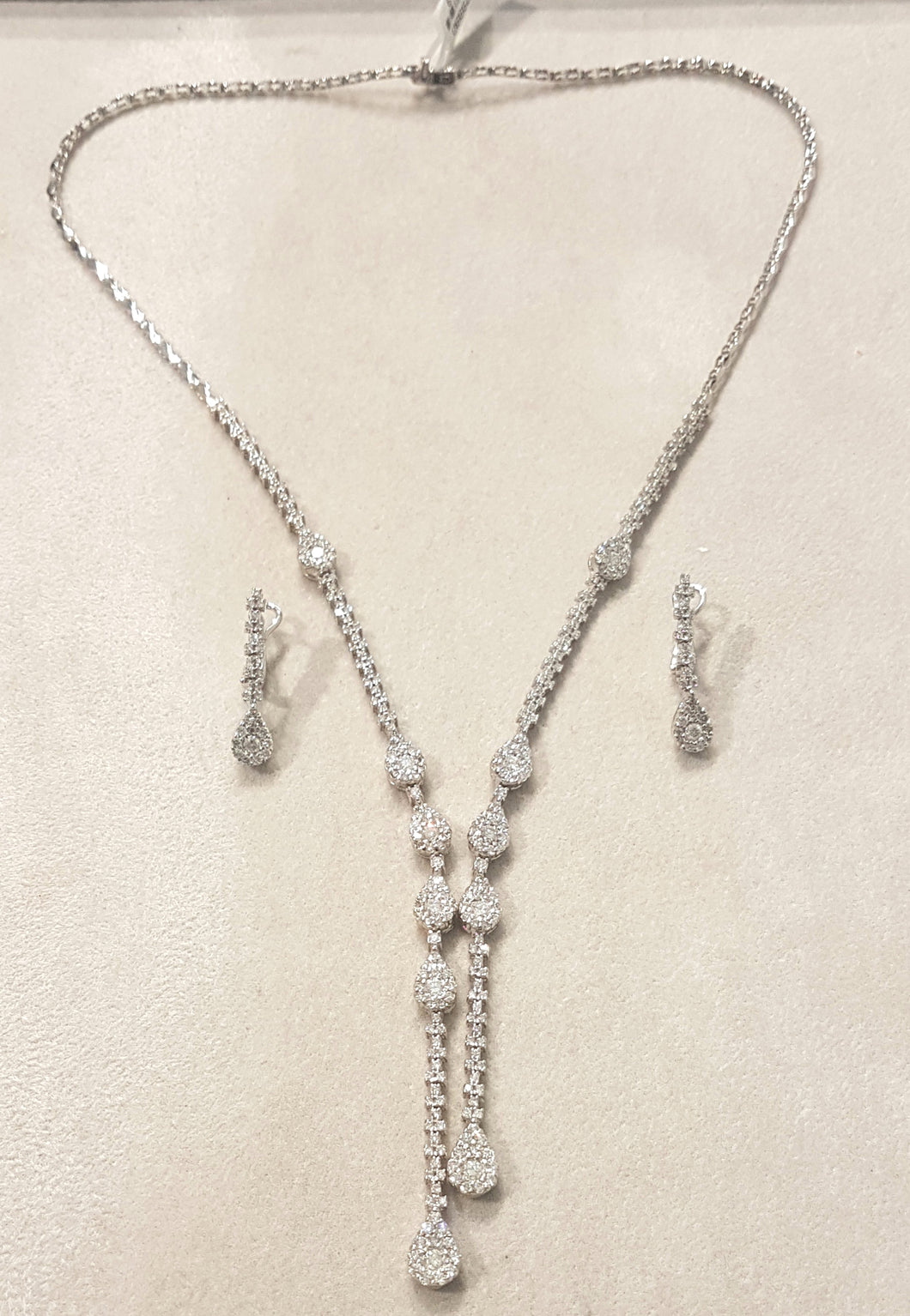 4.02ct [360] Round Brilliant Cut Diamonds | Designer Necklace and Earrings Set | 18kt White Gold