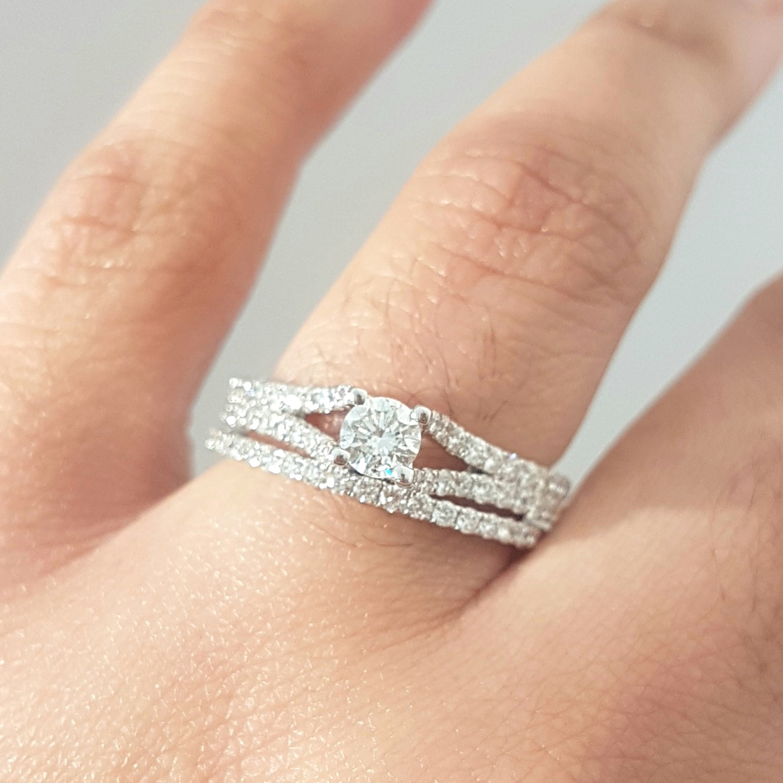 1.00ct Round Brilliant Cut Diamonds | Split Shank Bridal Twinset | 14kt White Gold