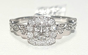 0.80ct Round Brilliant Cut Diamond Designer Ring set in 14kt Rose / White Gold