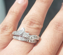 Load image into Gallery viewer, 1.00ct Round and Princess Cut Diamonds | Swirl Design Bridal Set | 14kt White Gold