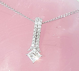0.40ct Princess and Round Cut Diamonds | Pendant with Chain | 14kt White Gold