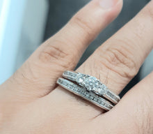 Load image into Gallery viewer, 1.00cts Round Brilliant Cut Diamonds | Trilogy Design Bridal Twinset | 14kt White Gold