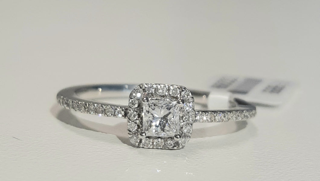 0.40ct Princess and Round Cut Diamonds | Designer Ring | 14kt White Gold