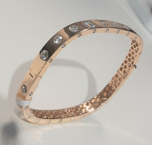 4.10ct [89] Round Brilliant Cut Diamonds | Designer Clip Bangle | 18kt Rose Gold