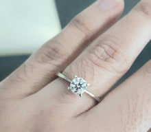 Load image into Gallery viewer, 0.52ct Round Brilliant Cut Diamonds | Solitaire Design | 18kt White Gold