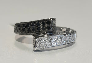 0.40cts [35] Round Brilliant Cut Diamonds | 0.35cts Round Cut Black Diamonds | Ring | 18kt Black and White Gold