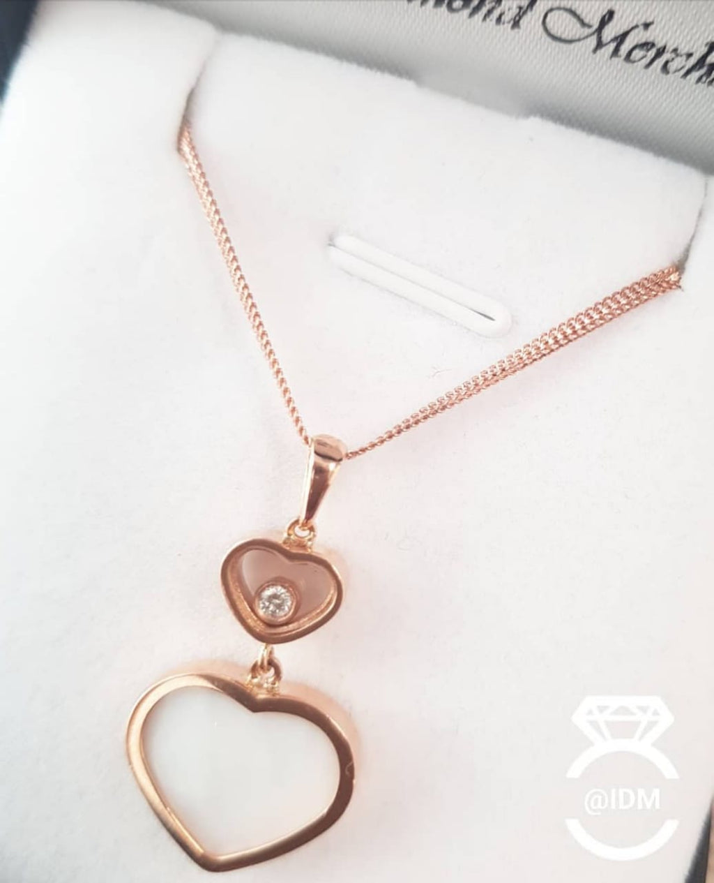 18kt Rose Gold | Mother of Pearl Pendant with Moving Cubic including Chain
